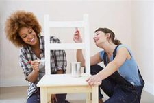 Легкое обновление декора дверей, стен и мебели