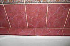 Заделываем стык между стеной и ванной