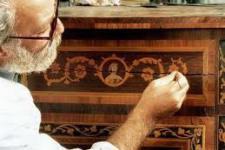 Как отремонтировать и восстановить мебель