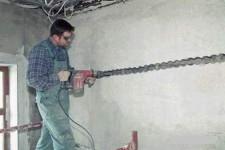 Как штробить стены под электропроводку