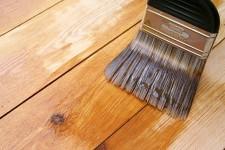 Как покрасить пол на даче