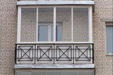 Разные варианты остекления балкона