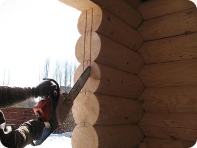 Монтаж окон и дверей в деревянном доме