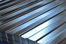 Металлический уголок и оцинкованный лист: характеристики, область применения