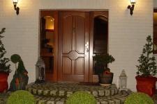 Входные деревянные двери — выбор современного потребителя!