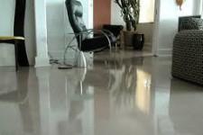 Самовыравнивающийся наливной пол в квартире.