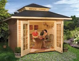 Садовые домики-бытовки: выездной комфорт