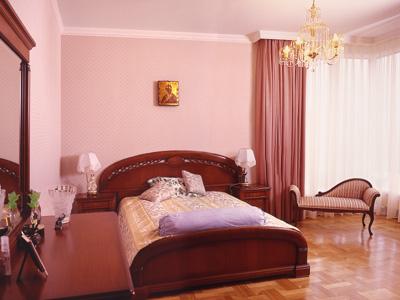 Пример простого косметического ремонта спальни