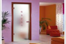 Как использовать стеклянные двери в интерьере