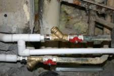 Как установить дополнительный отвод водопроводной трубы