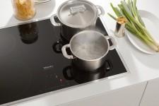 Кухонные плиты любят одеваться в стеклокерамику