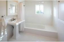 Как обшить пластиком ванную комнату