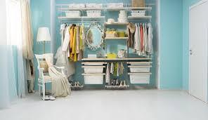 Как возвести гардеробную в маленькой квартире?