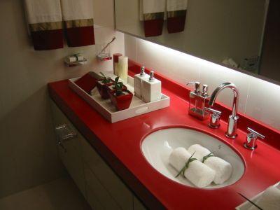 Столешница в ванную. Советы по выбору и уходу