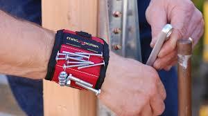 Магнитный браслет — помощник в ремонте