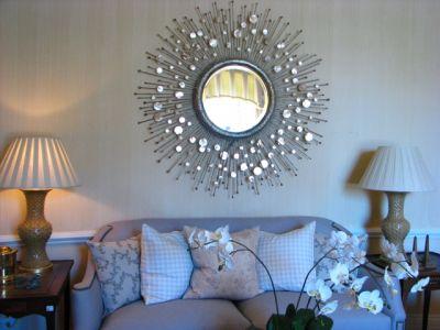 Зеркала в интерьере гостиной, детской и спальной комнаты