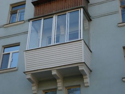 Говорим об остеклении балкона