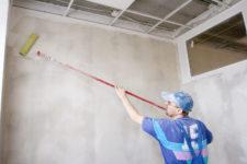 Подготовка стен и наклеивание жидких обоев