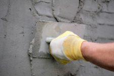 Выравниваем стены оштукатуриванием