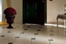 Как оформить узкий и длинный коридор