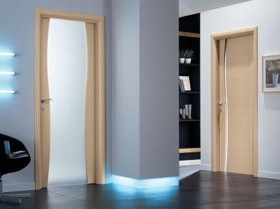 Установка межкомнатных дверей в доме