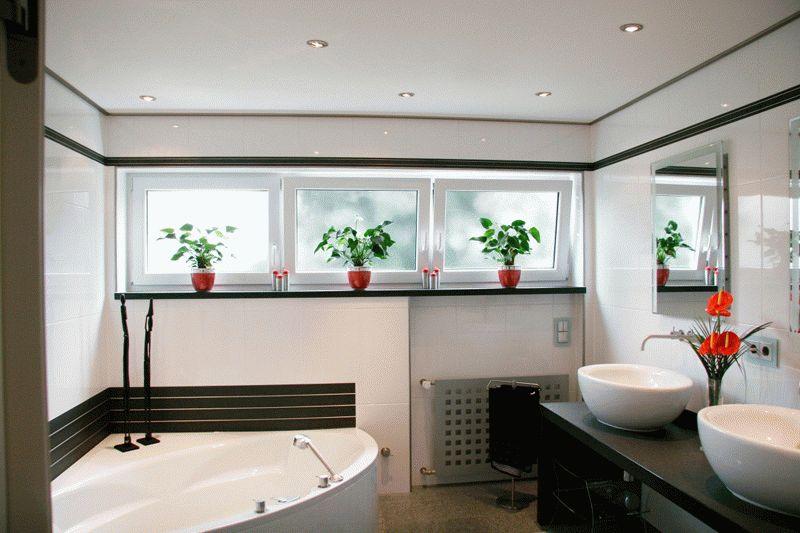 Какой потолок выбрать в ванной комнате?