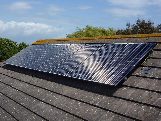 Мощные солнечные батареи для дачи