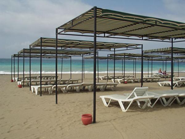 Солнцезащитные тенты для пляжа и не только
