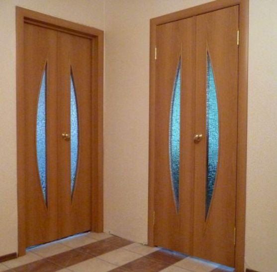 Как установить распашные двери