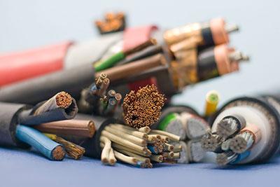 Особенности и свойства телефонных и силовых кабелей