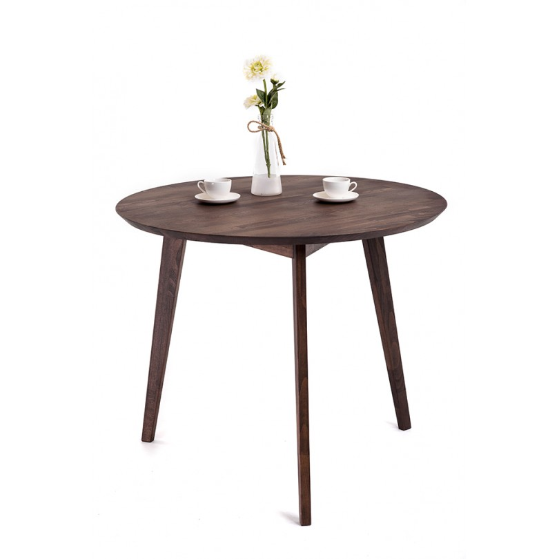 Круглый или квадратный стол из дерева: рациональное и оригинальное решение