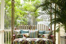 Подвесная кровать в интерьере: сладкий плен невесомости