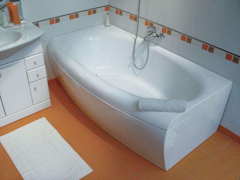 Чем чистить акриловую, стальную и чугунную ванны?