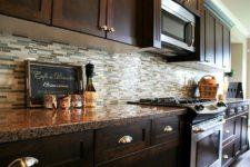 Как оформить кухонный фартук?