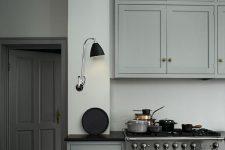 Дизайн интерьера кухни в сером цвете