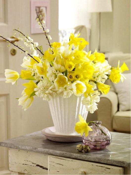 Цветочный декор к весне: декорируем квартиру цветами