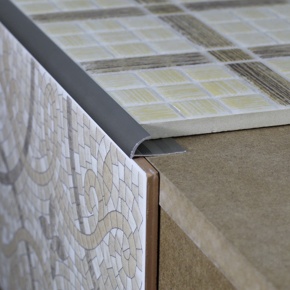 Уголок для плитки: актуальное декорирование