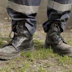 Рабочие ботинки: защита при работе на промышленном предприятии