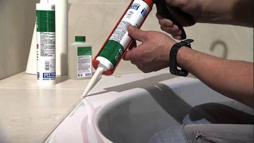 Способы очистки герметика на поверхностях в ванной комнате