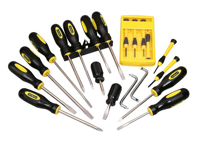 Набор какого ручного инструмента должен присутствовать в каждом доме