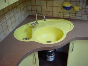 Что нужно учесть при выборе кухонной мойки