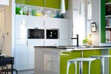Как удобно устроить свое хозяйство в маленькой кухне?