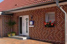 Особенности наружной отделки частных домов: преимущества фасадных термопанелей