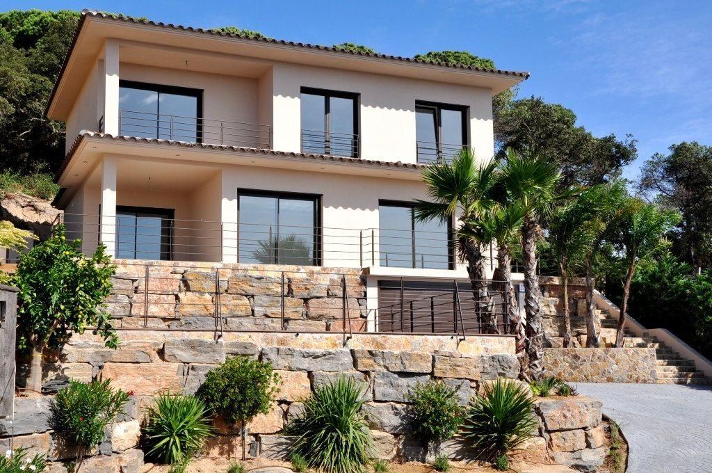 В чем состоят преимущества покупки недвижимости в Испании