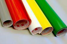 Красочные баннеры рекламы на оракале