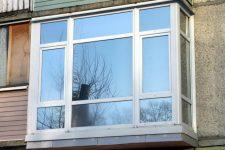 Элегантный французский балкон: стоимость оригинального оформления