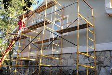 Грамотный выбор конструкций для высотных работ