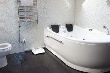 Акриловые ванны и с чем их едят