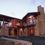 Входные деревянные двери – достоинства и некоторые особенности