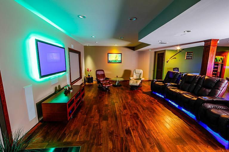 Декоративная подсветка для кухни под шкафы, для спальни и гостиной – сфера применения, эксплуатационные характеристики
